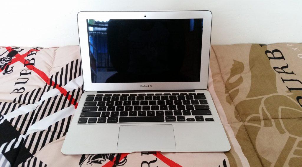 Terima Jual Laptop Bekas di Surabaya Macbook Air 11.6 Inch