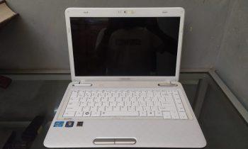 jual laptop bekas toshiba l740 surabaya